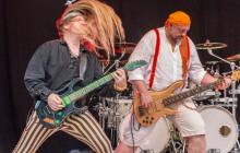 Foto: Karin Schmidtke, Tom Delay und GG van Diep rocken, Haare fliegen