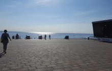 Foto von Bühne vor dem Strand